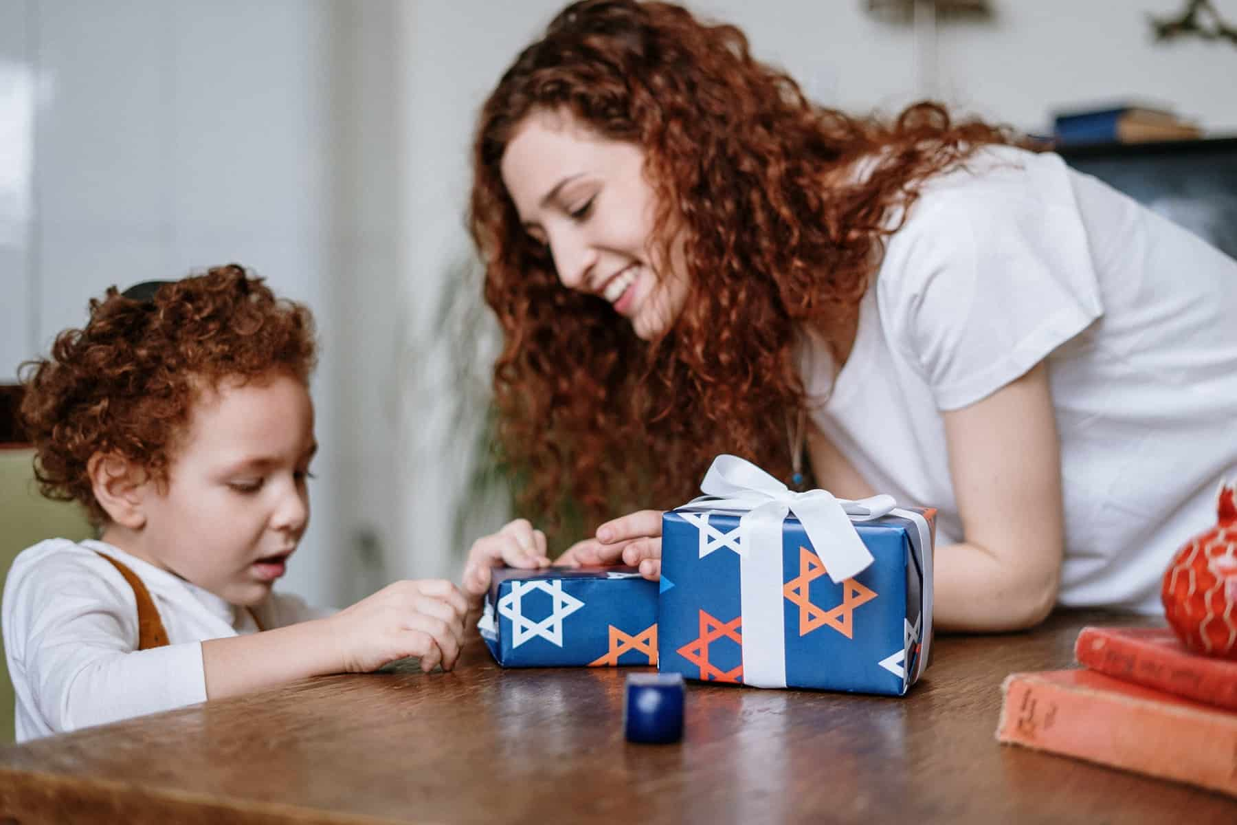 20 Frugal Gifts for Kids Of All Ages Under $10