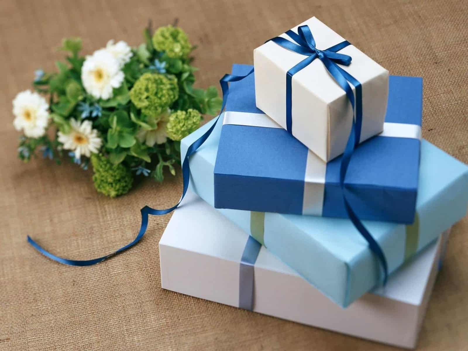 25+ Best Gift Ideas for Every Family Member [$25 Or Less!]