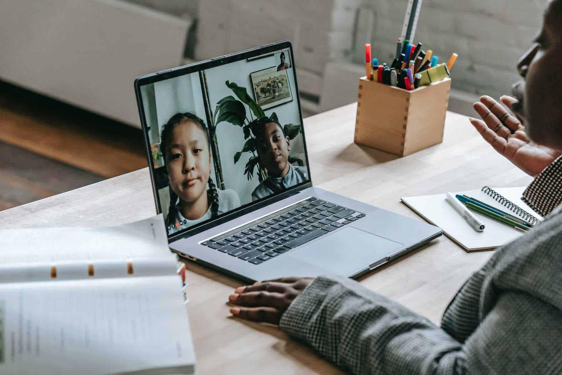 Online tutoring with Gogokid