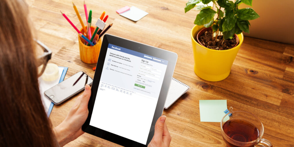 How to Earn Money on Facebook ($500 Every Day)